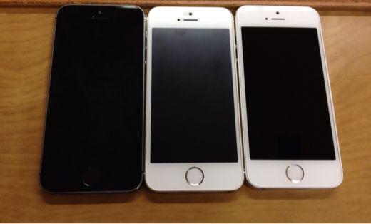 iPhone 5sのゴールドとシルバーとスペースブラック