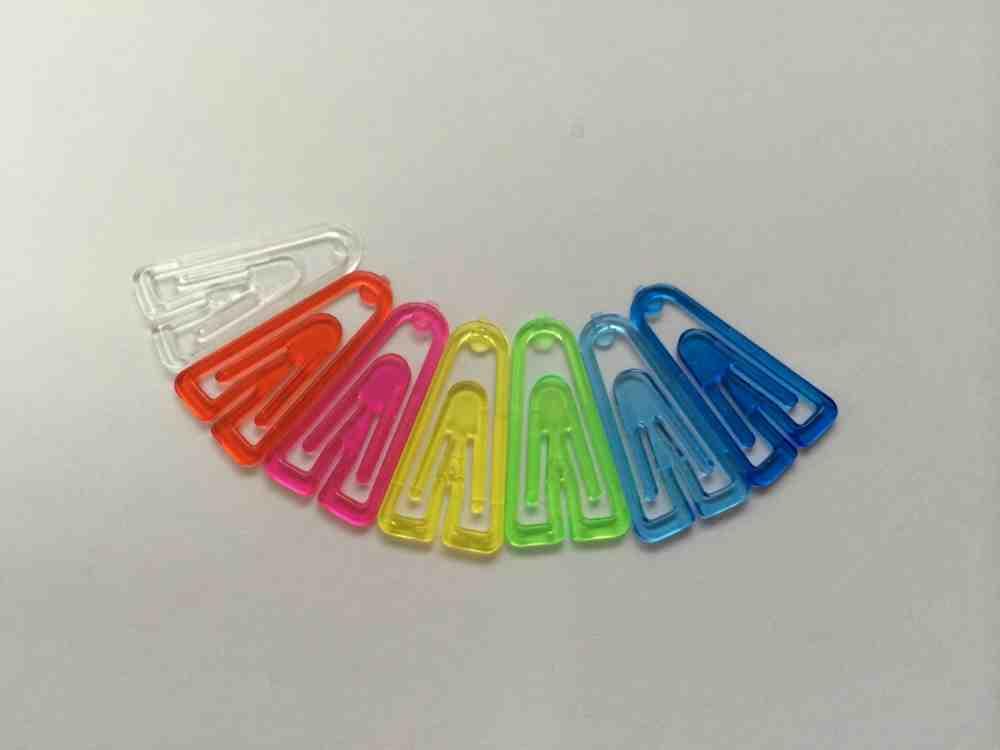 プラスチッククリップ